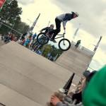 Dieses Foto entstand auf dem BMX-Event in Tallinn, wo die tollkühnsten Kunststücke vorgeführt wurden.